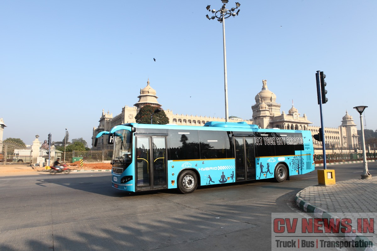 Volvo 8400 Hybrid City Bus has a parallel hybrid system, which comprises a 5-litre, 4-cylinder, in-line diesel engine and an electric motor. With over 2,400 hybrid buses sold in more than 20 countries, has a proven track record of saving 30 to 35% fuel.